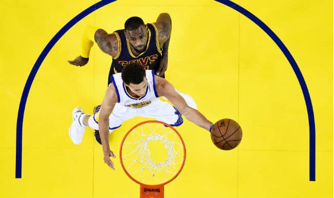 Golden State Warriors (GSW) beat Cleveland Cavaliers (CLE); win NBA 2014-15: Curry does it, King doesn't!