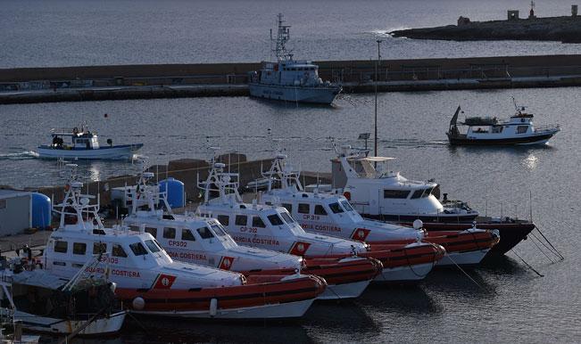 Italy rescue 3500 migrants in Mediterranean sea