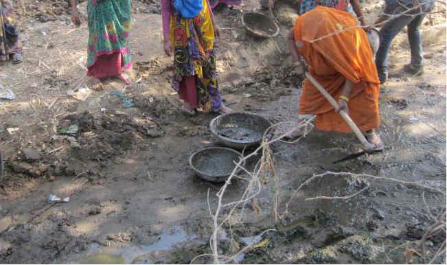 बुंदेली जल सहेलियां रखती हैं जल क्रांति की क्षमता