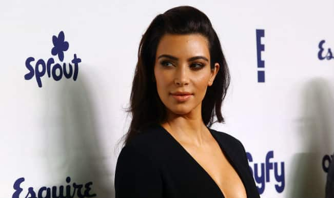 Kim Kardashian misspels words in Hillary Clinton selfie post