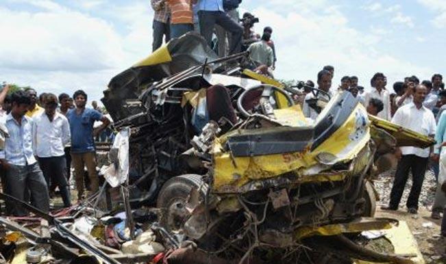 पेरू में ट्रक खाई में गिरा, 17 की मौत