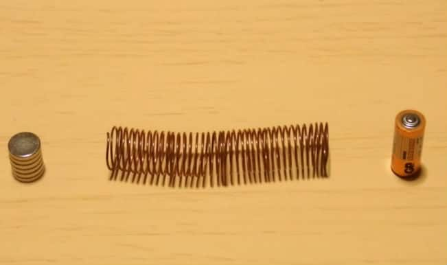 World's simplest electric train, here is how you can make a train at home – Watch video