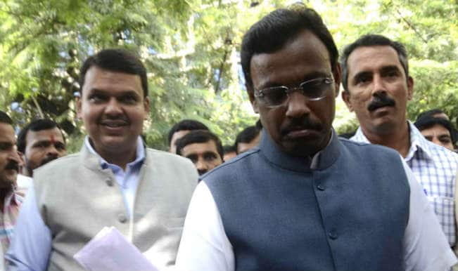 Devendra Fadnavis, Vinod Tawde wishes students as schools reopen in Maharashtra