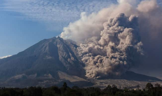 6,000 Indonesians evacuated over risk of volcanic eruption