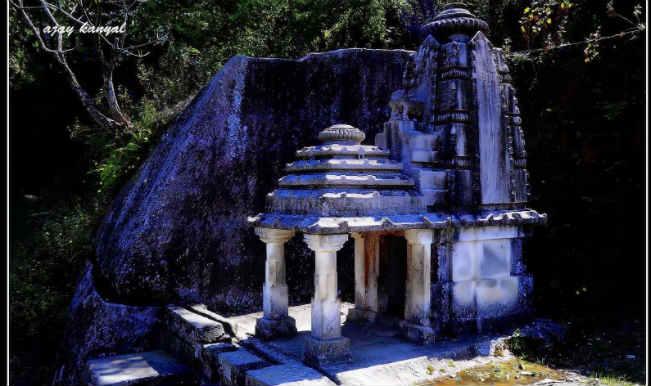 इस शिव मंदिर में पूजा करने से डरते है लोग