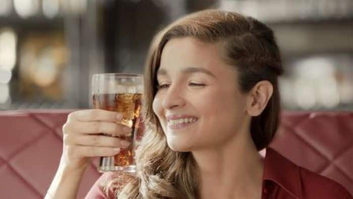 This is what happens to your body an hour after you drink Coke. And no, it is not good news