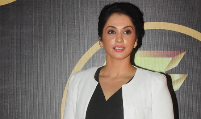 Isha Koppikar to make comeback with Assi Nabbe Pure Sau