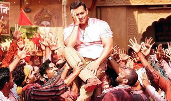 Bajrangi Bhaijaan quick movie review: Salman Khan is a mighty entertainer!