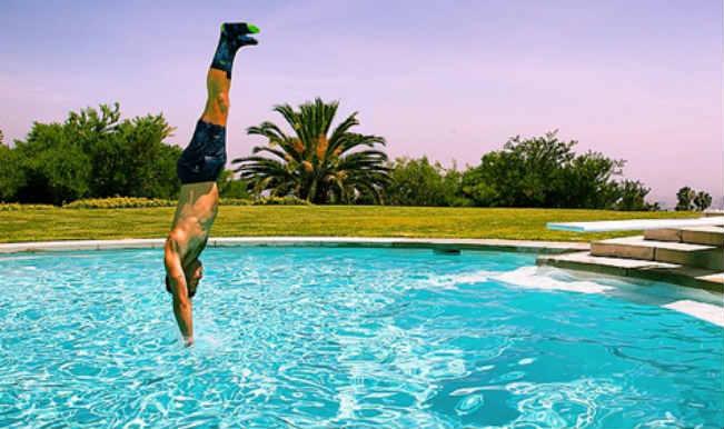 Jessica Alba's husband dislocates shoulder in pool dive