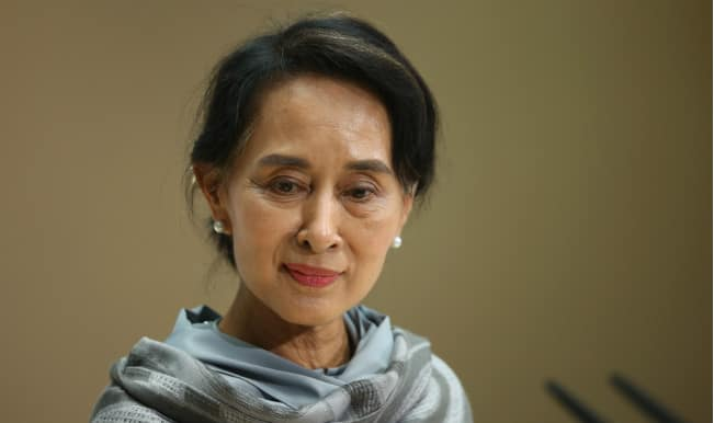Aung San Suu Kyi says opposition to contest Myanmar general election