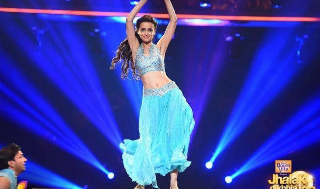 Jhalak Dikhhla Jaa Reloaded: Sanaya Irani faints on the dance show's sets!