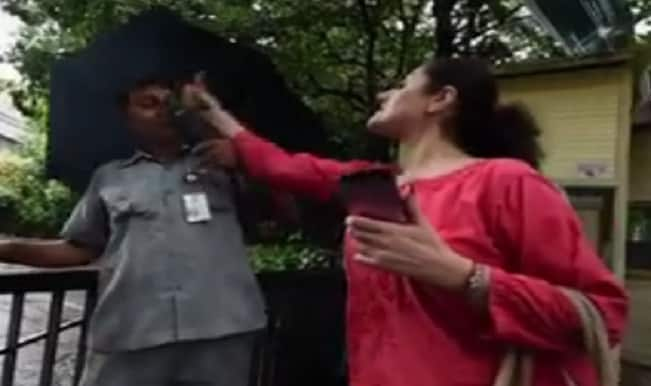 WTF! Foreign woman slapped security guard in Delhi for doing his job