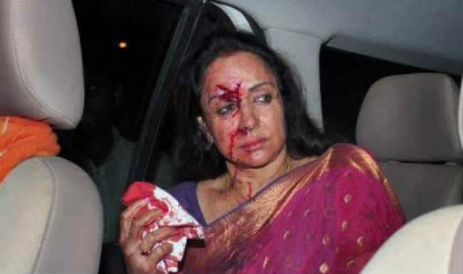 Shocking! Hema Malini injured in a car accident: pictures leaked!
