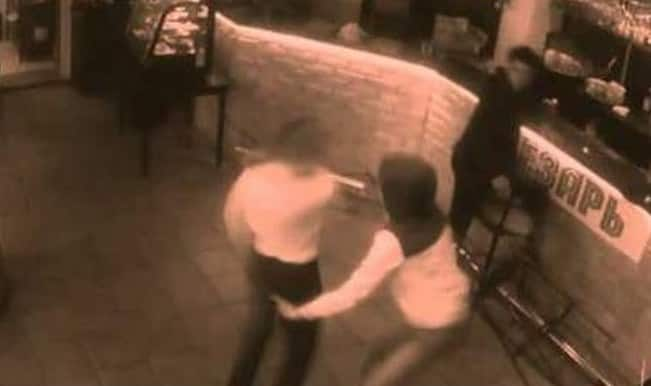 Sexual assault: This is how a waitress deals with creepy man who touches her butt!