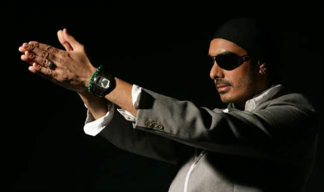 Singer Sukhbir Singh held up at Lahore airport for carrying excessive cash