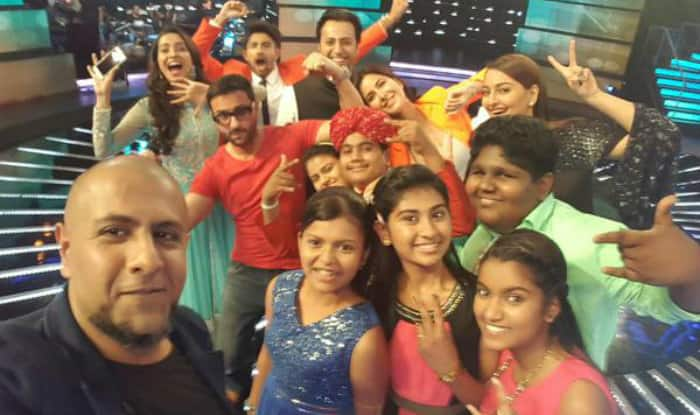 Indian Idol Junior 2015: Vishal Dadlani shares selfie with top 6 finalists of the show!