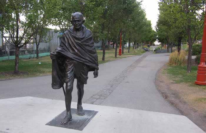 Mahatma Slapped in Canada: Gandhi statue hit with shoes by Indians
