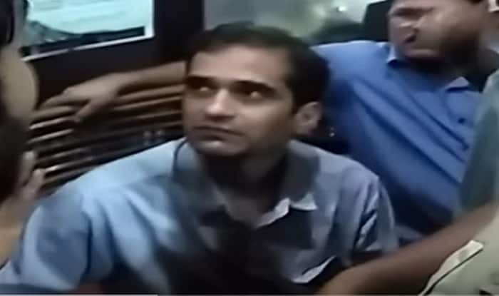 FTII director Prashant Pathrabe denies being harassed by students! (Watch Video)