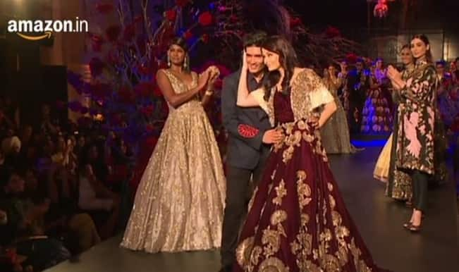 Amazon India Couture Week 2015: Aishwarya Rai Bachchan sparkles on the ramp for Manish Malhotra! (Watch grand finale video)