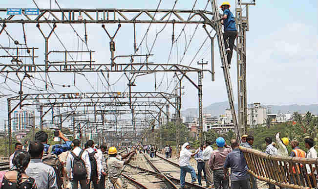 Harda Railway Accident: List of long distance Central Railway trains cancelled and diverted