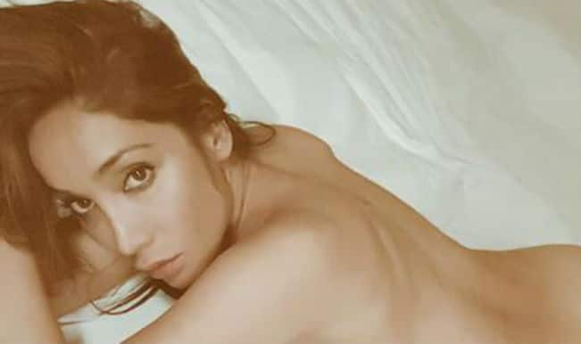 Nude Sofia Hayat protests against porn ban in India!