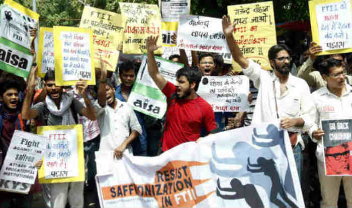 FTII crisis: Director Dean differ on bouncers on campus