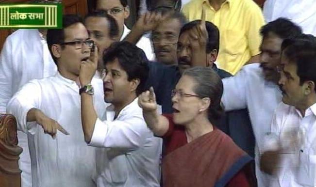 Lalitgate rocks Lok Sabha, Congress demands Sushma Swaraj's resignation