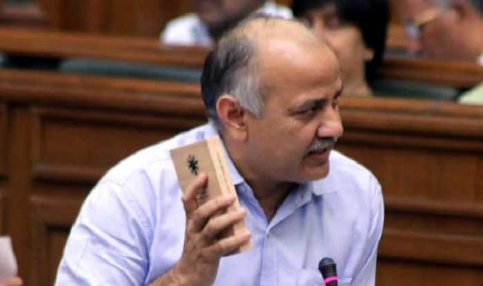 Manish Sisodia inspects government school in Delhi; Finds teachers missing, blackboards damaged
