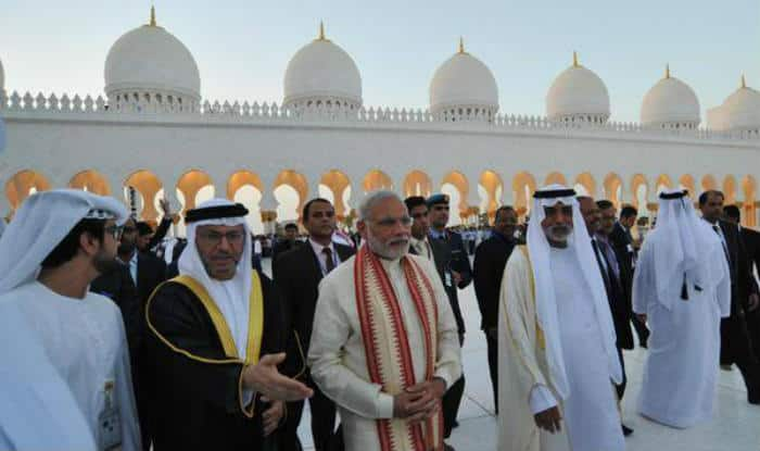 Narendra modi in uae prime minister to address indian - Prime minister of india office address ...