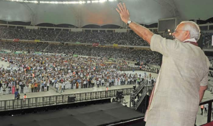 Narendra Modi addresses Indian diaspora at Dubai Cricet Stadium in UAE (Full Speech Video)