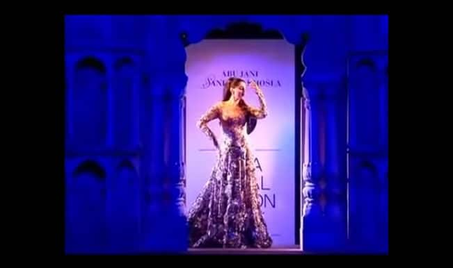 India Bridal Fashion Week 2015: Sonam Kapoor, the drama queen of a bride! (Watch video)