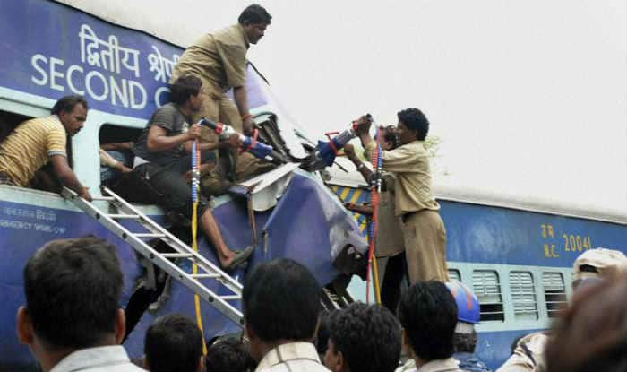 Bangalore-Nanded Express accident with a truck: Karnataka MLA Venkatesh Nayak among 6 killed!