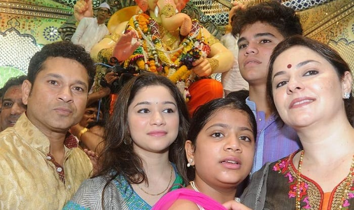Sachin Tendulkar with Lalbaugcha Raja: Master blaster celebrates Ganesh Chaturthi with family