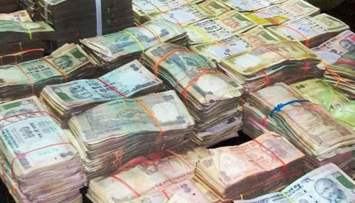'Fear of counterfeits stops RBI from issuing high value notes'