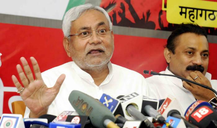 Nitish Kumar addresses Mahagathbandhan rally; promises electricity by 2016, slams BJP