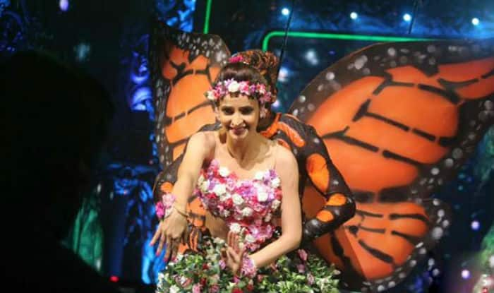 Jhalak Dikhhla Jaa Reloaded: Sanaya Irani stuns us with her aerial act!