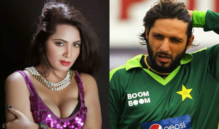 Image result for arshi khan and shahid afridi