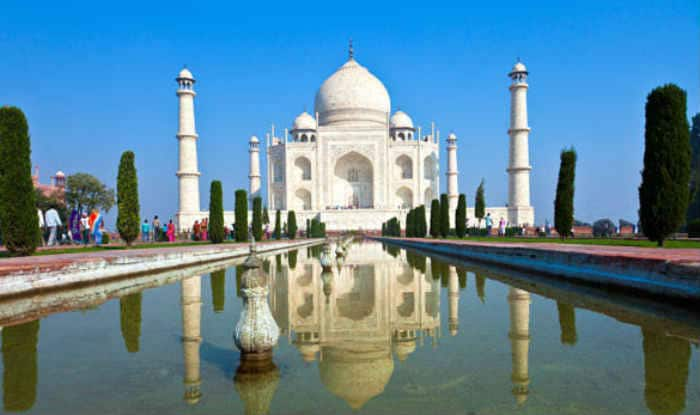 Malady-struck Agra tourism looking for panacea