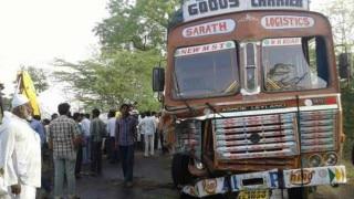 आंध्र प्रदेश में ट्रक पलने से 18 की मौत