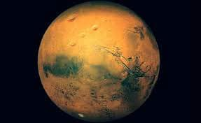 Eureka! NASA finds flowing water on Mars