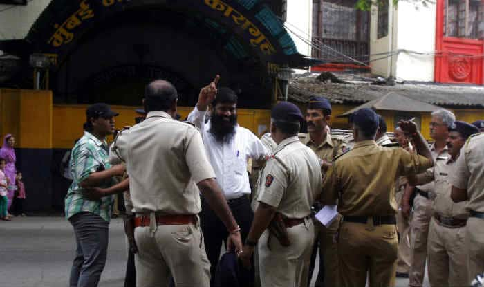 2006 Mumbai train bombings: lone acquitted man comes out of jail