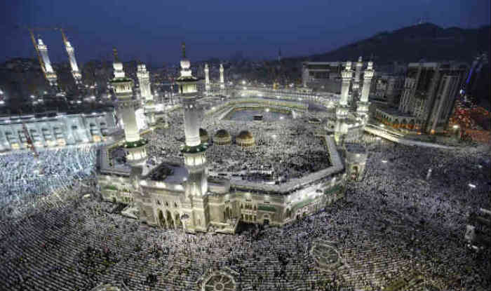 Hajj pilgrims march to Mina on journey of faith