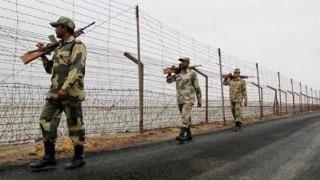 पाकिस्तान वायु सेना अड्डे पर आतंकवादी हमला, 30 मरे