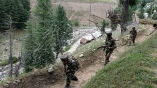 जम्मू-कश्मीर के हंदवाड़ा में सेना ने 4 आतंकियों को किया ढेर
