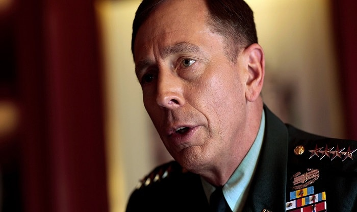 Ex-US general David Petraeus apologizes for giving classified info to lover