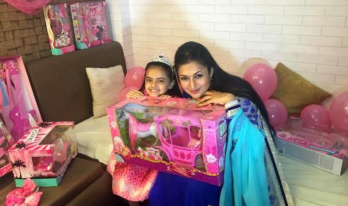 Yeh Hai Mohabbatein: Divyanka Tripathi aka Ishima gives surprise birthday gift to Ruhi! (Video)