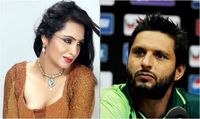 Arshi Khan ready to marry Shahid Afridi