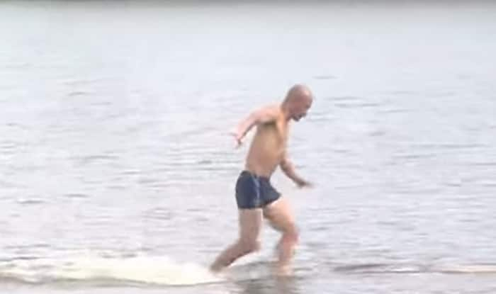 OMG! Shaolin monk runs on water – breaks his record