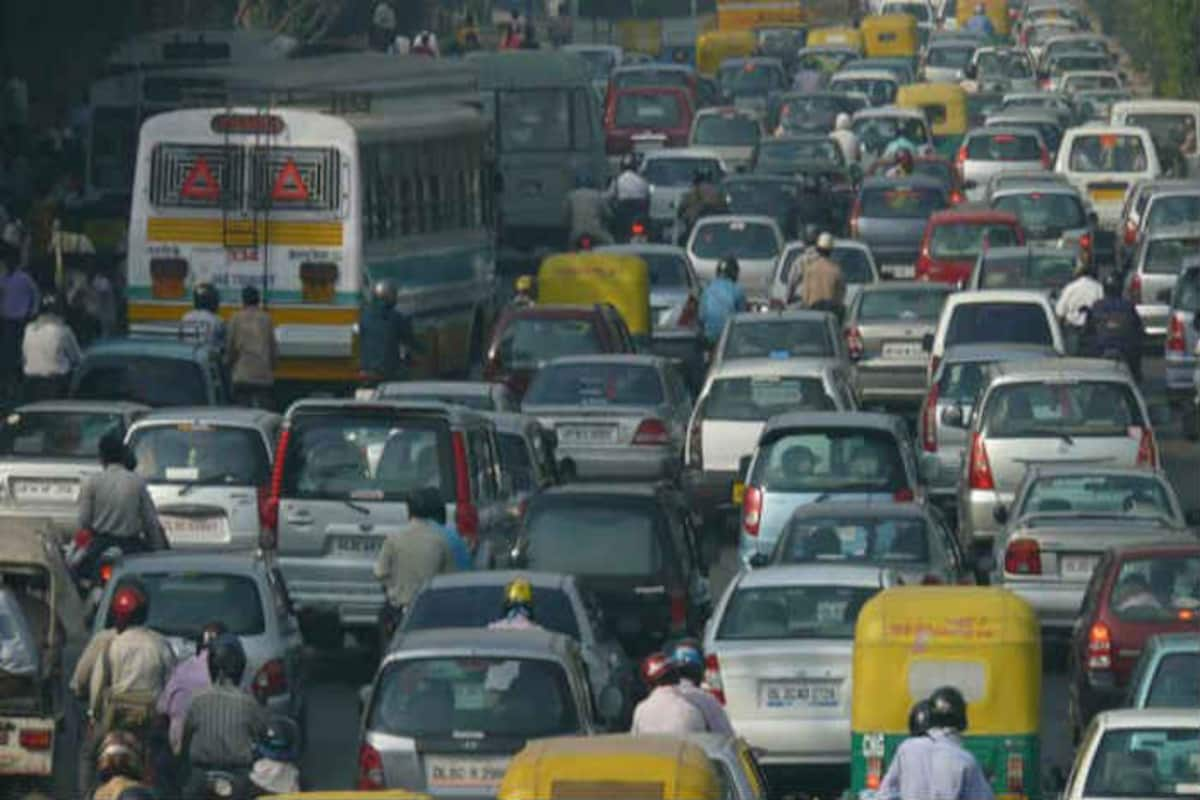 AAP govt's 'Odd-Even' traffic policy in effect from today