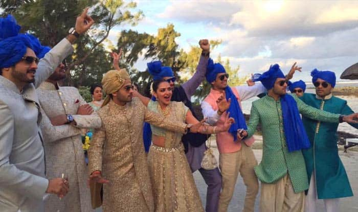 Esha Deol recreates 'Satte Pe Satta' moment with six brothers-in-law!